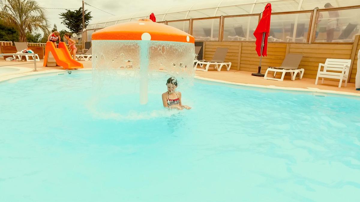 Camping bretagne avec piscine couverte chauff e camping for Camping en bretagne avec piscine